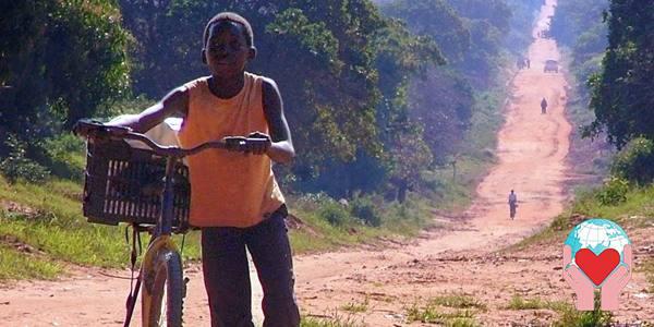 Bambini poveri in Mozambico