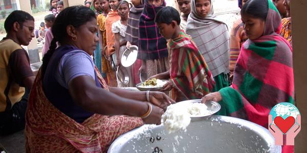 Aiuto poveri distribuzione di cibo