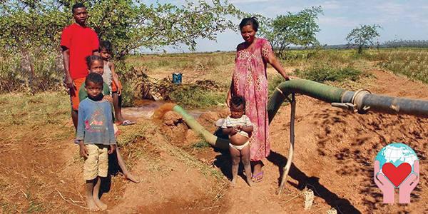famiglia povera in Madagascar