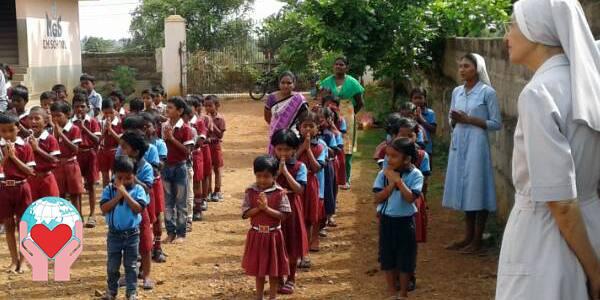 Borse di Studio per i bambi indiani