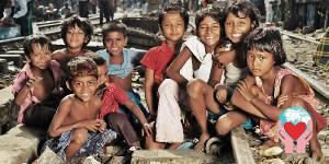 bambini tokai ferrovia Dacca Bangladesh