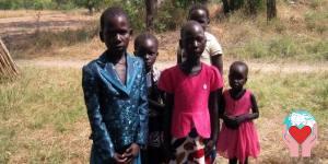 bambine accolte dalle suore di Rejaf