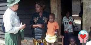 Missionario tra i bambini poveri