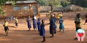 Aiuto poveri bambine povere in Guinea Bissau